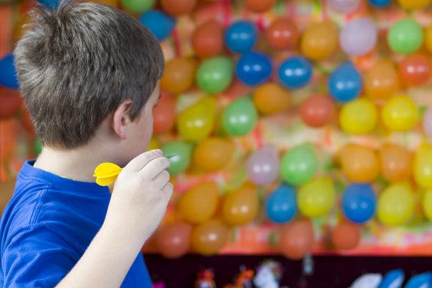 лопни шарик шарики лопарики - призовой аттракцион