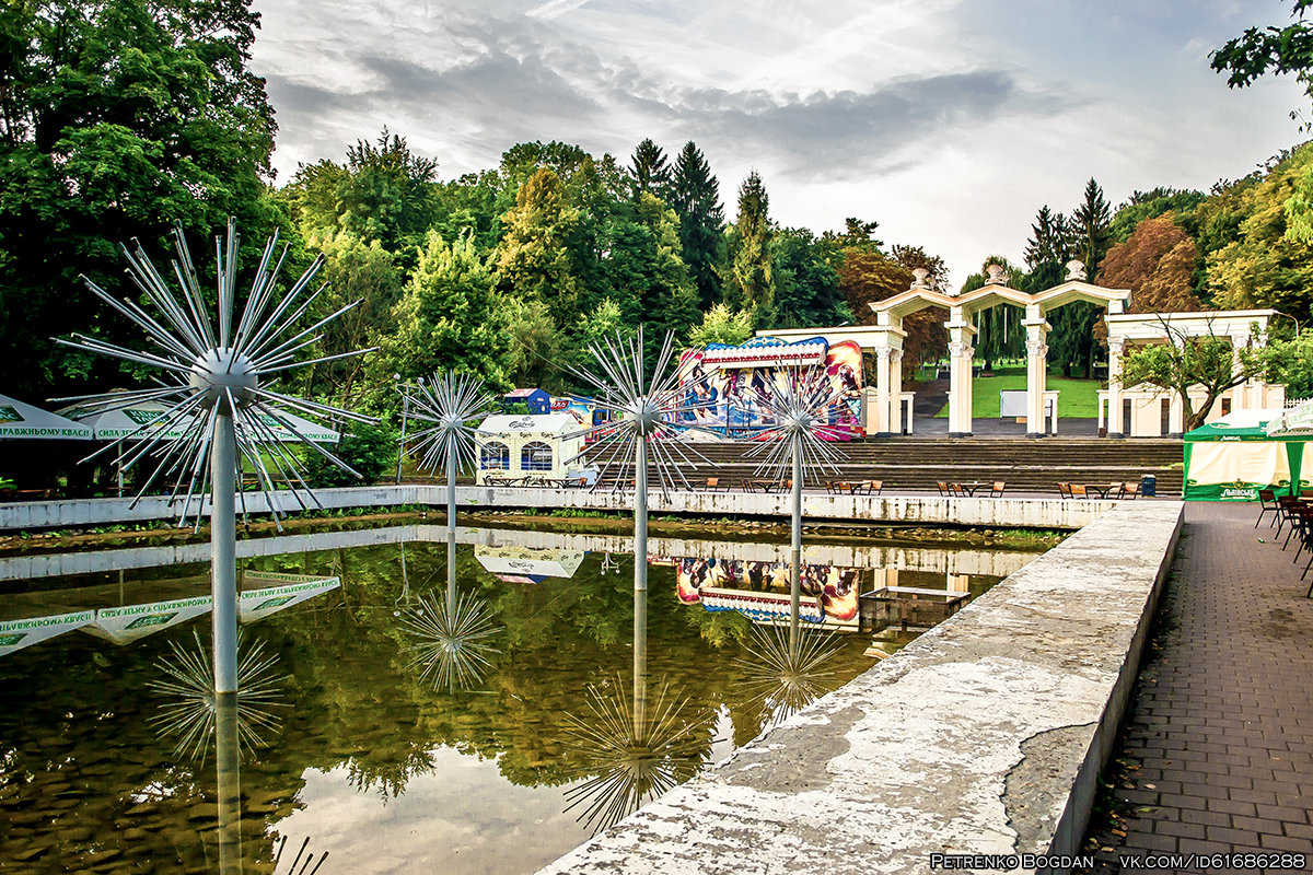 парк ім. б.хмельницького (вул. болгарська, 4)